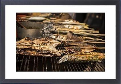 Con Marco Artwork de barbacoa de puestos en el mercado de cangrejo, Kep, Kep