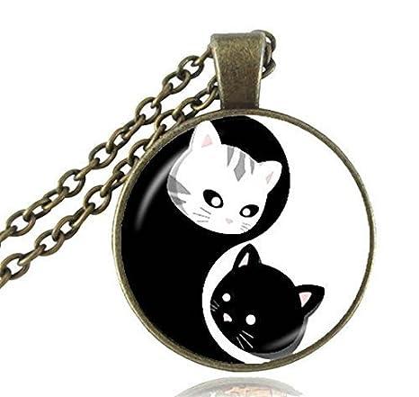 Yin Yang Collar de gato, colgante de gatito, blanco y negro con ocho diagramas patrón mágico, joyería Tai Chi: Amazon.es: Hogar