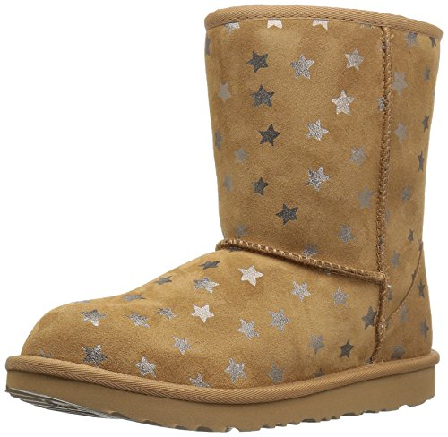 UGG Girls K Classic Short II Stars Pull-On Boot, Chestnut, 4 M US Big Kid by UGG