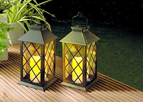 Schwarze klassische Solarlaterne mit flackernder LED Kerze 35 cm und Solarmodul Laterne - mit realistischem Flackern der LED Kerze für täuschend echtes Kerzenimitat - witterungsbeständig und bestens für den Außeneinsatz geeignet
