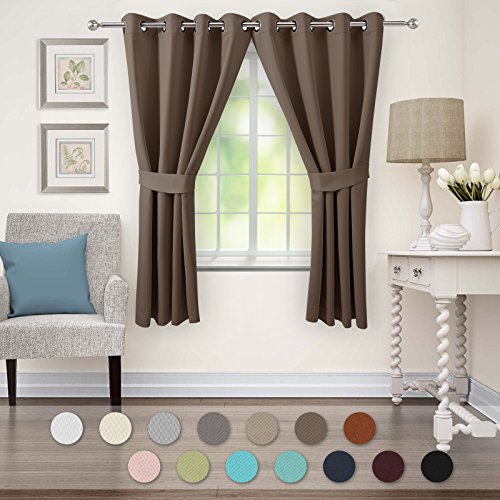 VEEYOO Thermal Insulated Curtains Grommet Blackout Curtains and Drapes Room Darkening for Living Room and Bedroom, 2 Panels, 52