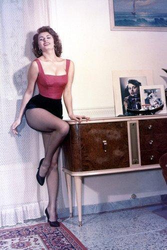 - Sophia Loren Very Rare Busty Early Color 11x17 Mini Poster