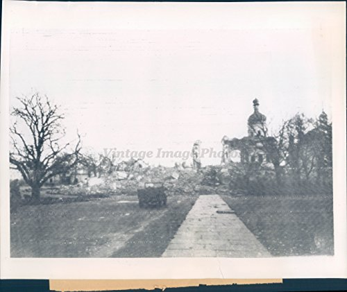 (Vintage Photos 1943 Photo WW2 Era American Jeep Ruins Uspensky Cathedral Kiev Russia)