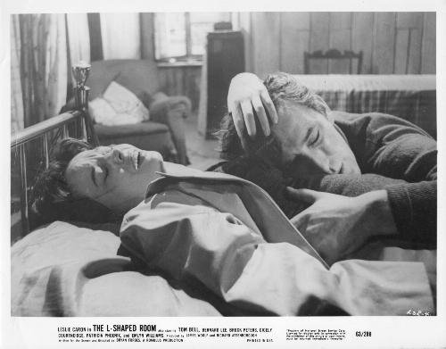 National Screen Service Corp THE L-SHAPED ROOM: Movie Advertizing Photograph of Leslie Caron and Tom Bell (LSR-4)
