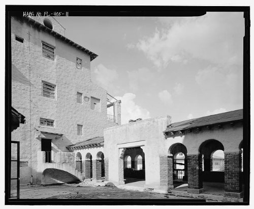 HistoricalFindings Photo: El Vernona-John Ringling Hotel,111 North Tamiami ()