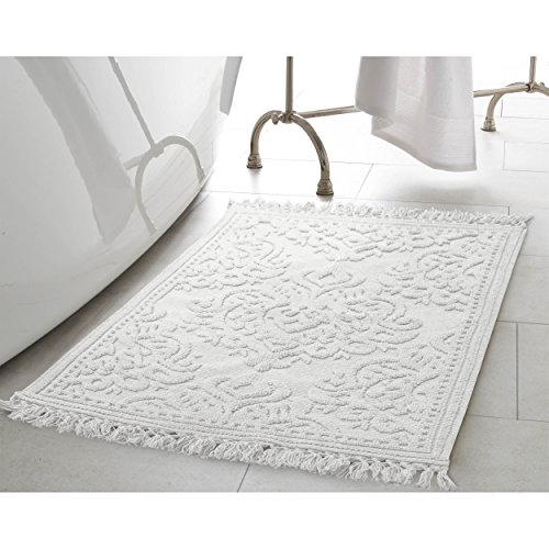Jean Pierre New York Ricardo Cotton Fringe 27x45 in. Bath Rug, White (New York Border)