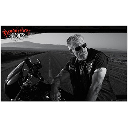 Ron Perlman 8 x 10 Photo Hellboy Beauty & the Beast Sons of Anarchy Black Leather Vest Sunglasses on Bike in Road Production Shots - Sunglasses Anarchy In Of Sons