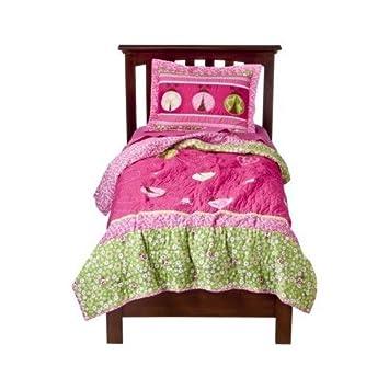 Amazon.com: Circo Ladybug Quilt Set - Twin Size: Home & Kitchen : circo quilt - Adamdwight.com