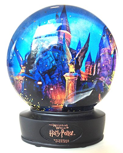 Wizarding World of Harry Potter : Hogwarts School of Witchcraft and Wizardry Castle Glass Snow Globe