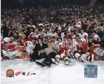 2002 Detroit Red Wings Team Unsigned Stanley Cup Champions 8x10 inch Hockey Photo