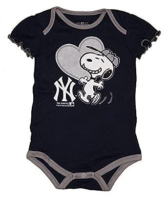 Amazon.com: Nueva York Yankees Snoopy en Bat Infant Tamaño 0 ...
