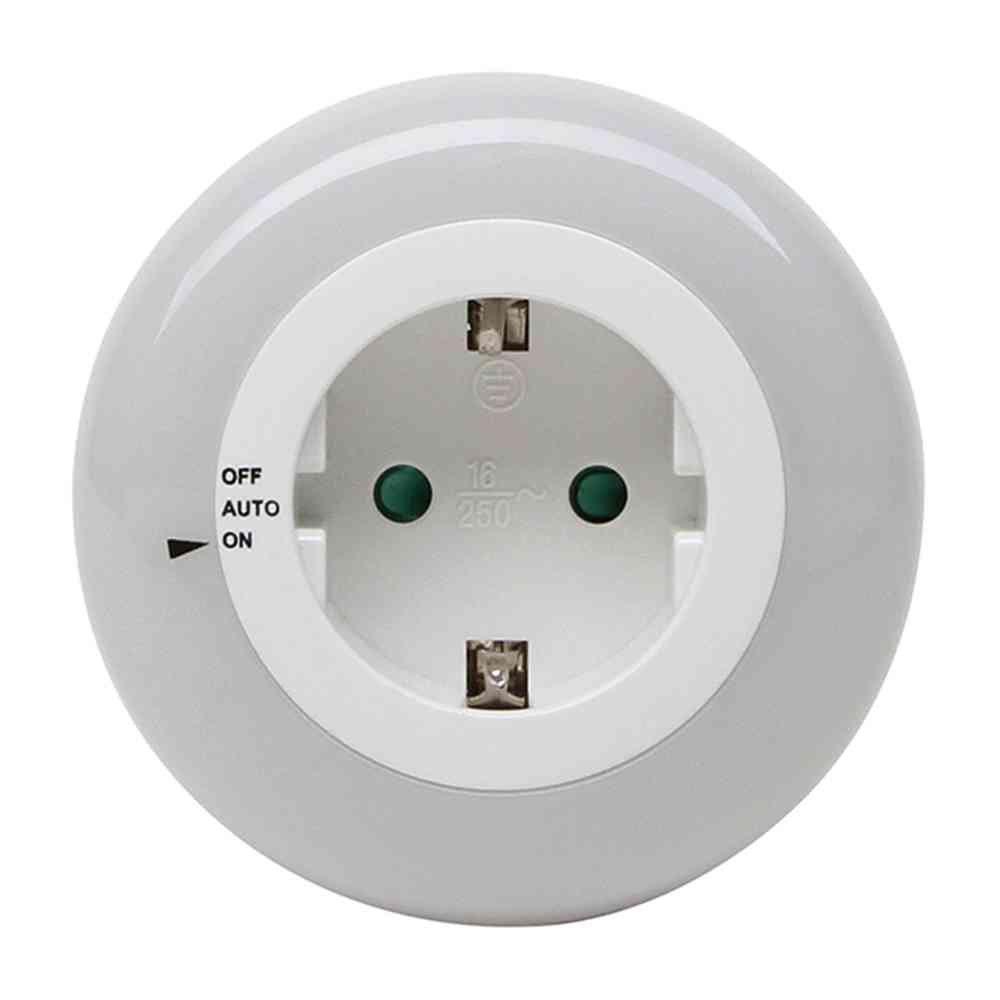 Kopp Nachtlicht mit 3 LED\'s Tag/Nachtsensor, Steckdose und Schalter ...