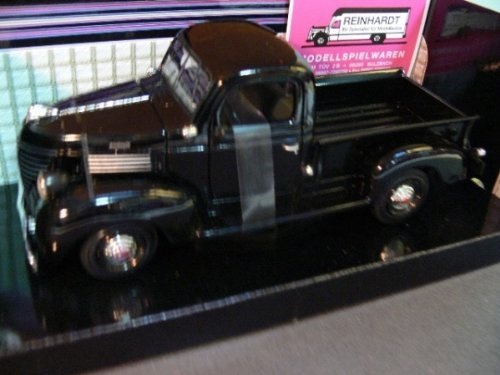 1941 Plymouth Pickup Diecast Model Car 1 24 rot Die Cast Car by Motormax by Motormax