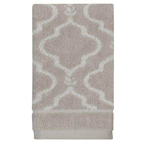 Adams Modern Rug (Jennifer Adams Chainlink Fingertip Towel)