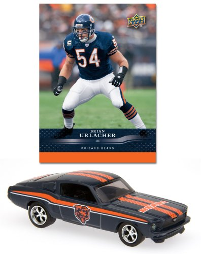 (-  Chicago Bears 1967 Ford Mustang Fastback Die Cast with Brian Urlacher Card)