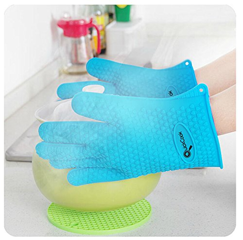QuickCook Silicone Heat-Resistant Gloves for BBQ and Baking - Make Cooking Safe Again with Complete Hand and Wrist Protection!