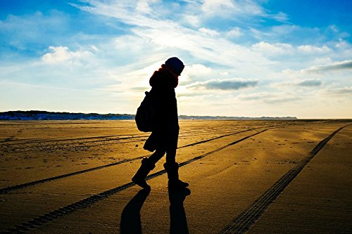 Home Comforts LAMINATED POSTER Shadow Walking Tracks Beach Silhouette Person Poster 24x36 Decal (People Silhouette)