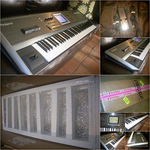 a 76 Key Synthesizer+Pedal ()