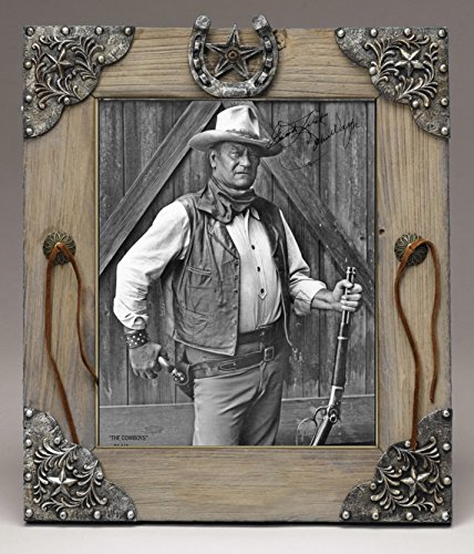 John Wayne In The Cowboys d Print Wall Decor In A Barn (John Wayne Framed)