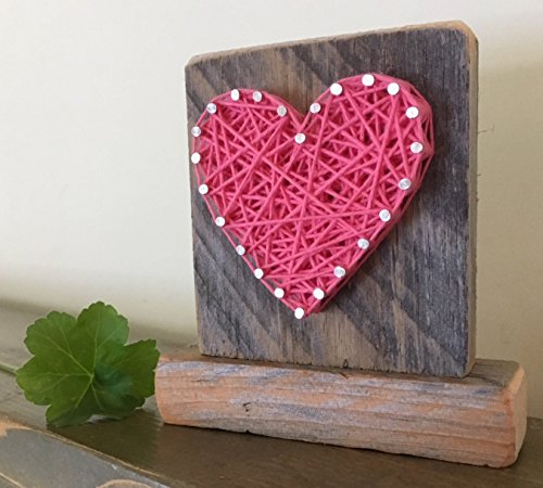 Sweet & small freestanding wooden pink string art heart sign. Perfect for home accents, Wedding favors, Anniversary gifts, Valentine's Day, Christmas, nursery decoration and just because gifts.