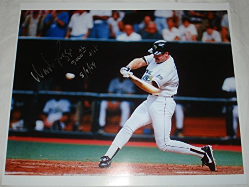 (Wade Boggs Hand Signed / Autographed Tampa Bay Devil Rays 11 x 14 Photo - 300...)