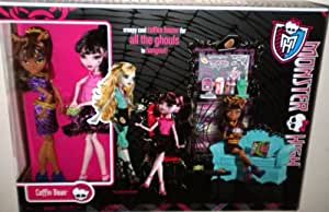 Monster High Exclusive Clawdeen Wolf and Draculaura Coffin Bean Play Set