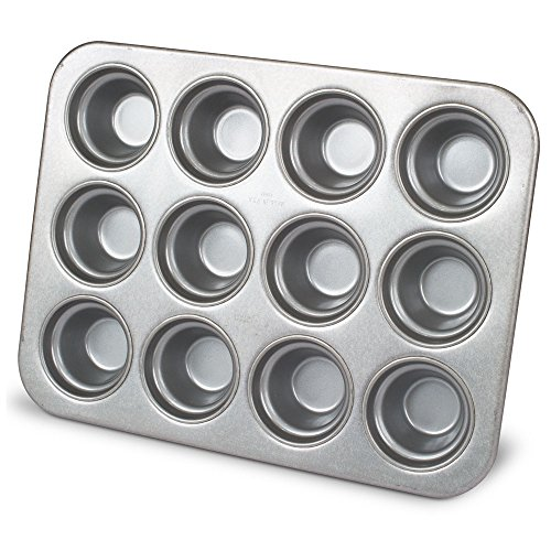 Chicago Metallic Crown Muffin Mold, 12 Forms ()