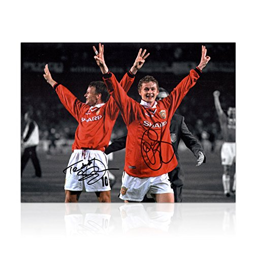 Teddy Sheringham and Ole Gunnar Solskjaer Signed Manchester United Photograph: Champions League Winners