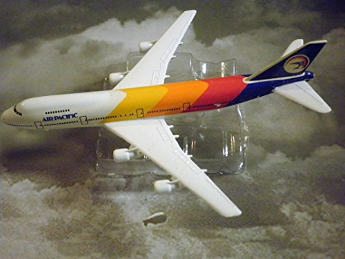 Air Pacific Boeing 747- Jet Plane 1:600 Scale Die-cast Plane Made in Germany by Schabak