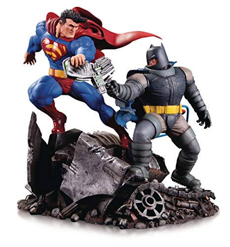 (DC Collectibles The Dark Knight Returns: Batman Vs. Superman Mini Battle Statue, Multicolor)
