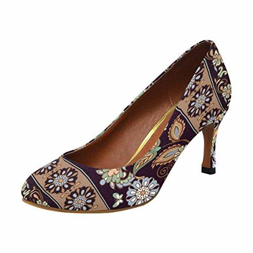 Modello Di Scarpe Da Donna Con Scarpe Tacco Alto, Modello Classico Con Paisley