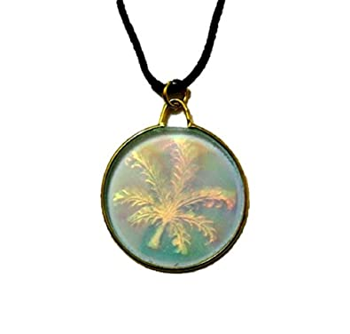 3d vintage glass hologram holographic leaf gift necklace pendant 3d vintage glass hologram holographic leaf gift necklace pendant jewellery aloadofball Choice Image