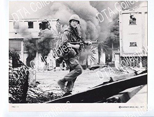 M16 Jacket (MOVIE PHOTO: FULL METAL JACKET-8x10 PROMOTIONAL STILL-MILITARY/M-16 FN)