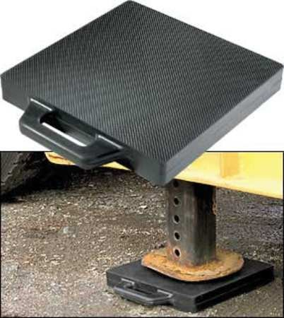Buyers Products Outrigger Pad, 18 x18 x 2 in.