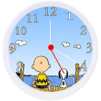 Amazoncom Charlie Brown Snoopy Wall Decor Clock Home Kitchen