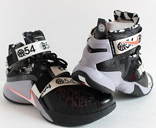 Nike-Lebron-9-IX-Soldier-Quai-54-810803-015-LMTD-James-King-Europe