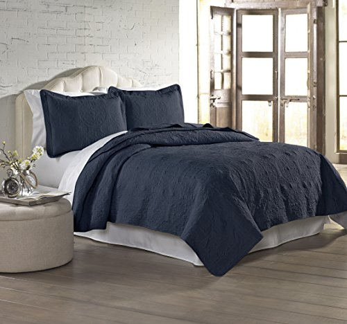 Amrapur Overseas Solid Embroidered 3-Piece Quilt Set