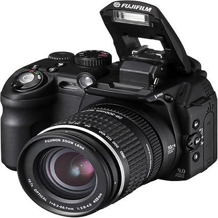 Amazon com : Fujifilm Finepix S9000 9MP Digital Camera with 10 7x