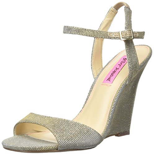 Betsey Johnson Women's Duane Wedge Sandal, Gold, 6 M US