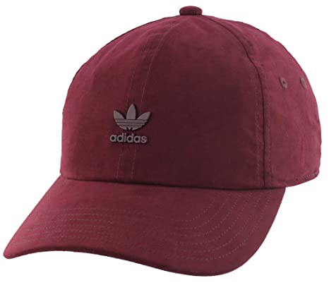 Amazon.com  adidas Men s Originals Metal Logo Relaxed Adjustable ... bb48f0e0b7c3