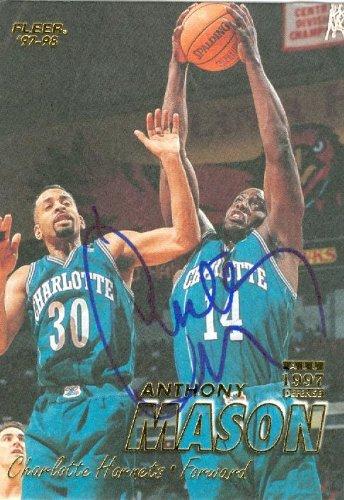 Autograph Warehouse 42898 Anthony Mason Autographed Basketball Card Charlotte Hornets 1997 Fleer No .108