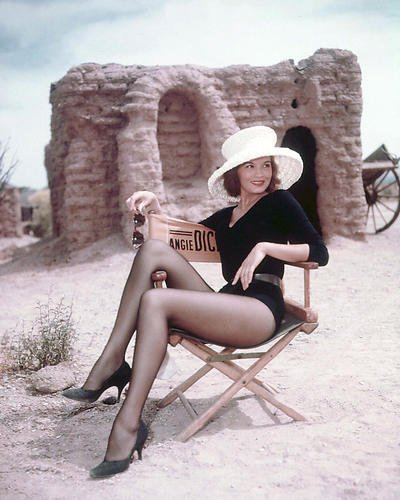 Rio Bravo Angie Dickinson 16x20 Poster Leggy Pin Up relaxing on set in chair rare ()