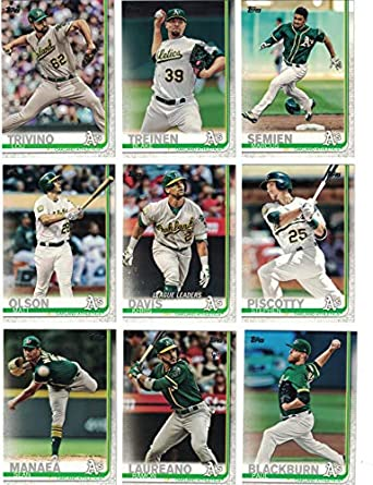 official photos 00ba9 b3fcc Oakland Athletics/Complete 2019 Topps Series 1 Baseball Team ...