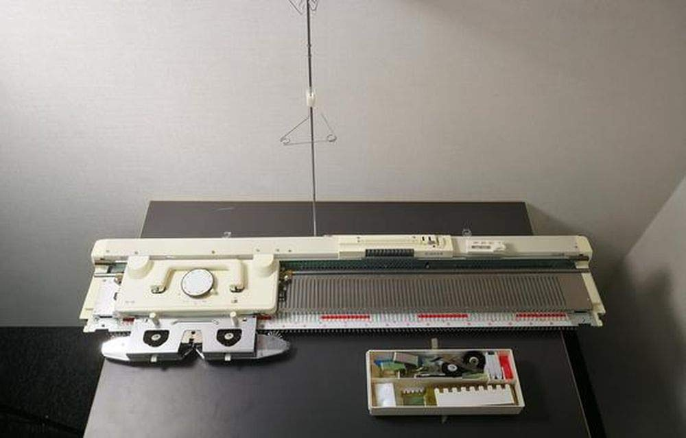SK155 Singer/Silver Reed Bulky Chunky Punch Card Knitting Machine by SUNNY CHOI (Image #1)