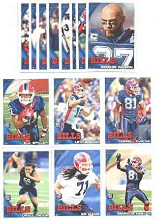 2010 Topps Buffalo Bills Complete Team Set of 14 cards with bonus 4 Pocket Notebook!