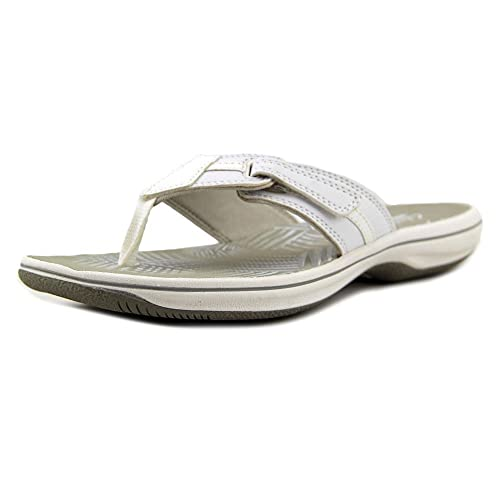 1674f90145 Clarks Brinkley Breeze Women US 9 White Thong Sandal: Amazon.ca ...
