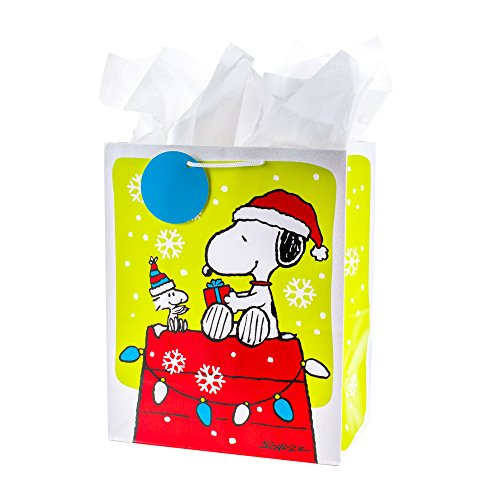 Hallmark Christmas Large Ready to Go Gift Bag (Snoopy on Doghouse)