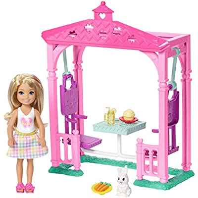 Barbie Club Chelsea Picnic Doll & Playset: Toys & Games