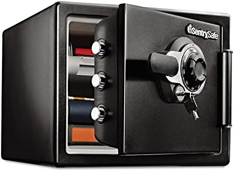 SENTRY SFW082DTB Fire-Safe 0.8 Cu. Ft. Combination with Key, 16 3 8 x 19 3 8 x 13 3 4, Black