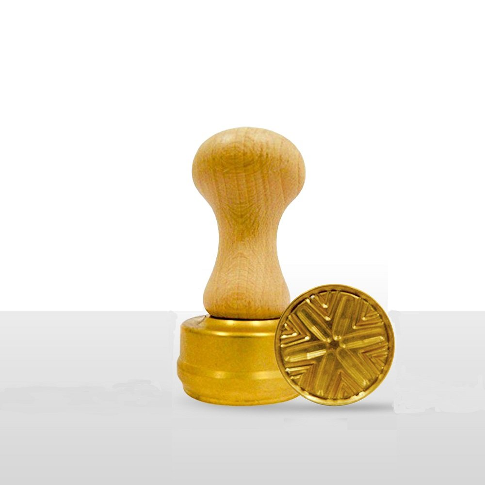 LaGondola Bundle : 1 Round Corzetti Stamp ,1 Pasta Cutter Smooth in Brass and Natural Wood by LaGondola (Image #3)